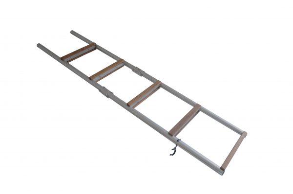 scaletta ribaltabile in acciaio con scalini in legno e con attacco dritto